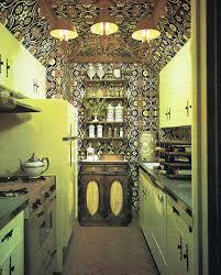 Retro Kitchen Design With Vintage Pattern Wallpaper