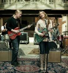 Susan Tedeschi, Derek Trucks Keep It In The Family - SFGate