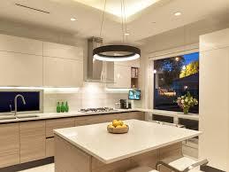cuisine au milieu de la cuisine cuisine chene massif moderne fonctionnalies traditionnel