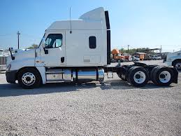 USED 2012 FREIGHTLINER CASCADIA MID ROOF TANDEM AXLE SLEEPER FOR ... Peterbilt 379 Sleepers For Sale Freightliner Box Truck With Sleeper For Sale Best Resource In Va 2014 Freightliner Scadia 2719 Used Lvo 2015 125 Evolution Tandem Axle Sleeper Big Sleepers Come Back To The Trucking Industry Vnl630 Tx 1082 Used Trucks Ari Legacy