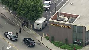 Man Robs Armored Truck Near Inglewood Wells Fargo, Gets Away After ... Suspect Dead After Armored Truck Robbery In Phoenix Youtube Fbi Offering 200 For Information Leading To Suspects In Brinks Update Source Says Two Men Made Off With At Least 500k Hammond Brandon Simmons On Twitter Brinks Driver Robbed Gun Point Atmpted Former Charged Abc7chicagocom Reward Offered Violent Armored Car Heist Caught Camera Five Arrested Fatal Truck Robbery Nbc 6 South Florida Armoured Money Transport Vehicle Usa Stock Outside Southeast Austin Bank Three Arrested For Central Probably Queens Road Centra Can