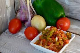 cuisiner les poivrons verts le sofrito compotée de tomates d oignons et des poivrons verts