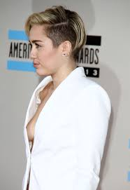 Rockin Around The Christmas Tree Karaoke Miley by Miley Cyrus Sideboob Pictures Amas 2013 Oceanup Teen Gossip