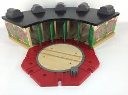 thomas train wooden railway roundhouse and turntable tidmouth shed