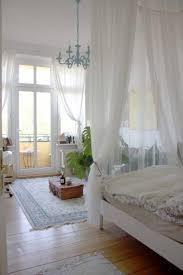 traumhaftes balkonzimmer mit himmelbett himmelbett altbau