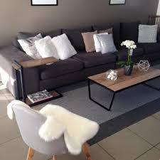 canapé gris taupe mon home home grand canapé gris chaise de salon au pied