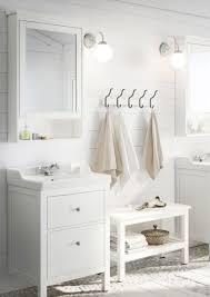 waschbecken unterschrank im hellen landhaus stil hemnes baños