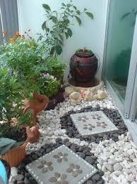 Small Balcony Garden Ideas 17