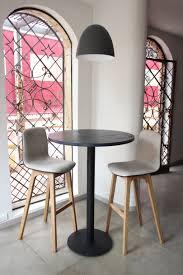 Mesa alta tipo pedestal para un restaurante al norte de Bogotá