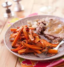 cuisiner les carottes frites de carottes au thym et romarin et gigot d agneau les