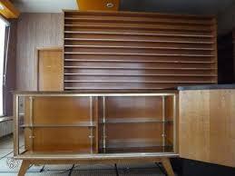 vitrine d exposition occasion comptoirs bois doré et vitrines bois et verre occasion