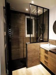 trendy badezimmer mit glastür und dusche in italienisch