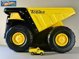 Super Fun Hot Wheels Blog: Tonka Metal Vintage Dump Truck & Fire Rescue Tonka Classics Mighty Dump Truck Toughest Large Metal Sandpit Classic Front Loader Online Toys Australia Amazoncom Wader Trailer And Toy Set By Polesie Tonka Steel Toughest Mighty Dump Truck R Us Canada Sdupertoybox Dumptruck Funrise Distribution Company 90667 Steel Cstruction Vehicle For Model Northern Play Vehicles Upc Barcode Upcitemdbcom Toyworld