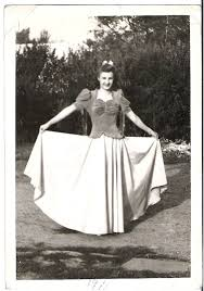 Vintage Everyday Women Fashion 70 Years Ago Dresses That Girls Used To Wear In