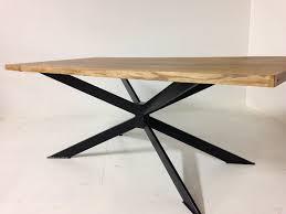 table a manger en chene massif avec pietement x collection nuxe
