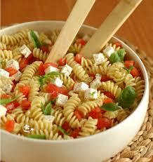 cuisiner le basilic salade de torti au chèvre frais tomates et basilic les meilleures