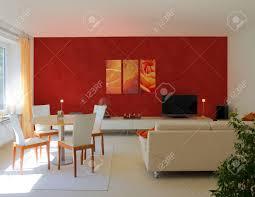 moderne wohn und esszimmer mit roten wand bilder zu präsentieren