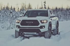 2017 Toyota Tacoma Reviews And Rating | Motor Trend Canada In ...