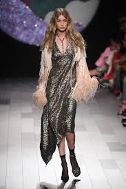 Gigi Hadid s wardrobe malfunction
