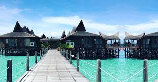 100 Houses In Malaysia 10 Sane Floating Hotels Teleport To Maldives Minus