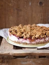 gesunder pflaumen cheesecake mit streuseln