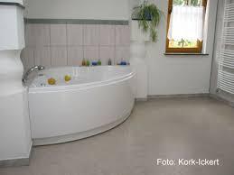 kork fußböden verlegung im bad feuchtigkeit bei richtiger