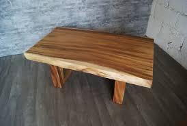 couchtisch aus suar akazienholz baumkante wohnzimmer