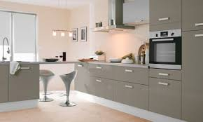 meuble cuisine taupe stunning deco couleur taupe cuisine contemporary matkin info