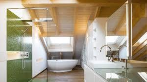 bäder mit dachschräge optimal die badgestalter gestalten