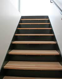 marches antidérapantes pour la sécurité ehi escalier