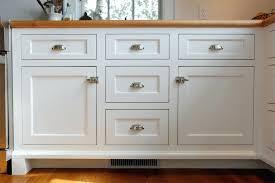 Kitchen Cabinet Hardware Ideas Pulls Or Knobs by Kitchen Cabinet Hardware Idea Kitchen Cabinet Hardware Ideas