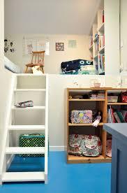 chambre de enfant chambre enfant sous combles côté maison