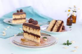 low carb zucchini torte mit schokoladen ganache