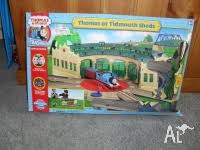 Thomas Tidmouth Sheds Instructions by Thomas The Tank Engine Tidmouth Sheds Motorized Remore Control