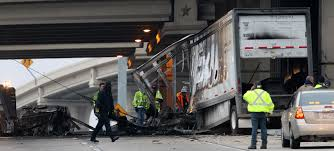 100 Fedex Truck Wreck Loop 410 Reopened After Crash That Killed FedEx Driver San Antonio