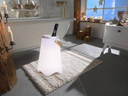 led stehle mit weinkühler bluetooth lautsprecher