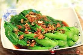 cuisiner le chou chinois cuit petits choux chinois à l ail recette chinoise