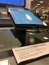 Seen At A Local Barnes & Noble : Techsupportgore