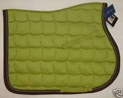 recherche tapis vert pomme framboise et marron