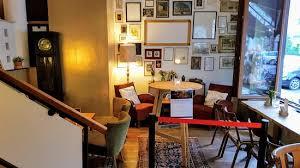 wohnzimmer imt offener front zur strasse bild