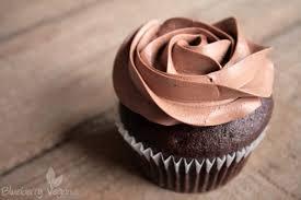 einfache schoko und vanille cupcakes