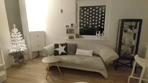 weihnachtsbaum wohnzimmer weiße weihnachten grau