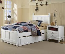 1020 and 1570 Kennedy Twin Bed White finish with trundle