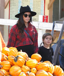 Lawrence Pumpkin Patch by Beautiful Celebrity Women At The Pumpkin Patch In Beverly Hills