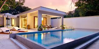 chambre d hotel avec piscine privative maldives les villas de l hôtel de luxe amilla fushi parenthèses