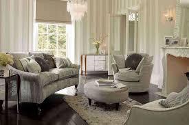 gestreifte tapete wohnzimmer tapete dekorationsideen