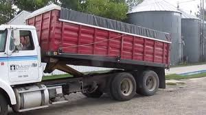1995 WHITE GMC TANDEM AXLE GRAIN TRUCK For Auction - YouTube