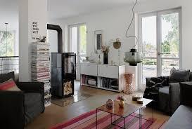 wohnzimmer mit gemütlicher sitzecke und bild kaufen