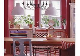 einrichten mit rot gemütliches landhaus flair bild 9