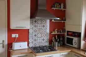 fond de cuisine fond de hotte en alu imitation carreaux de ciment design